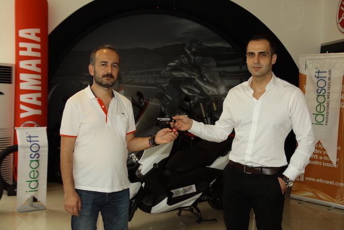 IdeaSoft Bayi Kampanyası kapsamında motosiklet almaya hak kazanan bayimiz Online Ekip oldu