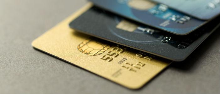Kredi kartları ile yapılan alışverişlerde yeniden 12 ay taksit dönemi!